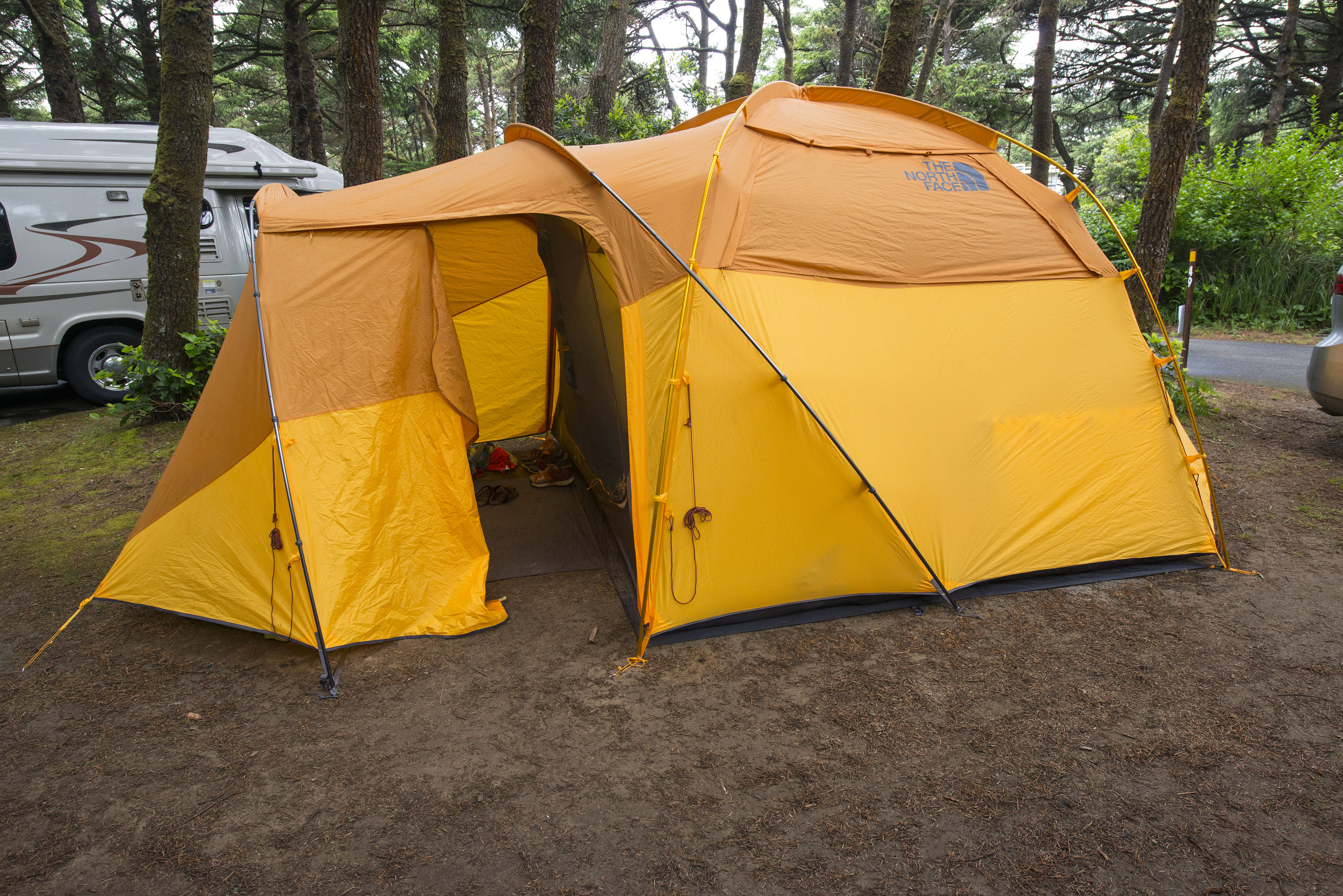 The North Face Wawona 6 Family Tent. Photo by Tyson Gillard. & Gear Review: The North Face Wawona 6 Tent - Outdoor Project