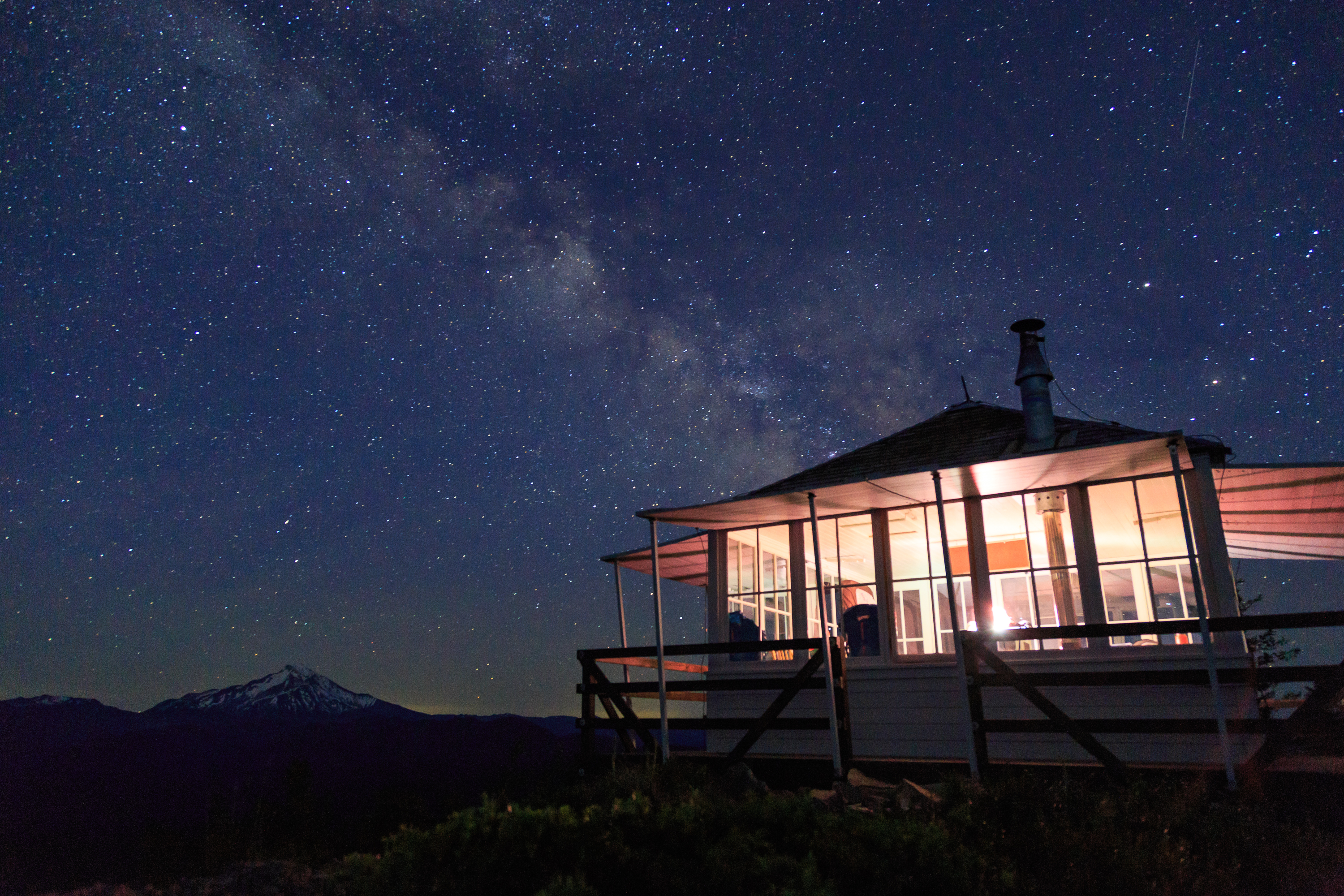 Gold Butte Lookout Lodging In Oregon