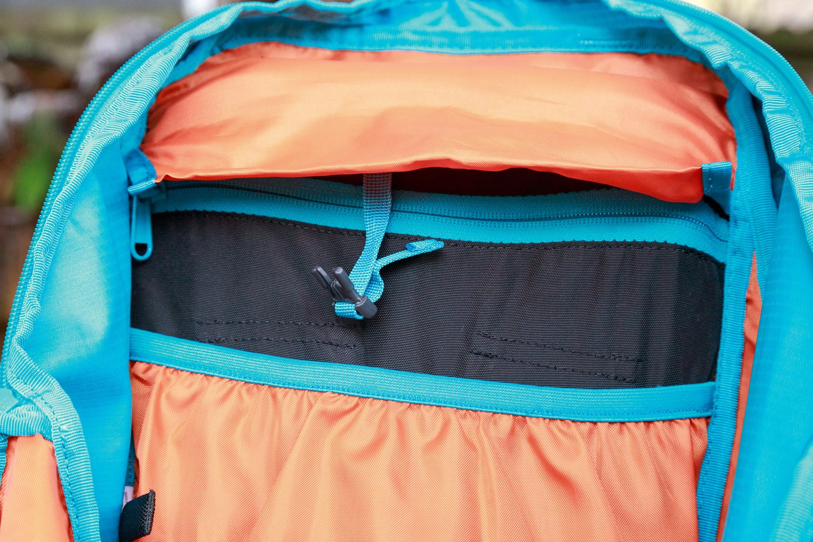 44cb2fee39 Gear Review  Kathmandu Voltai 40L  Top clip strap for hydration bladder  sleeve to prevent slouching.