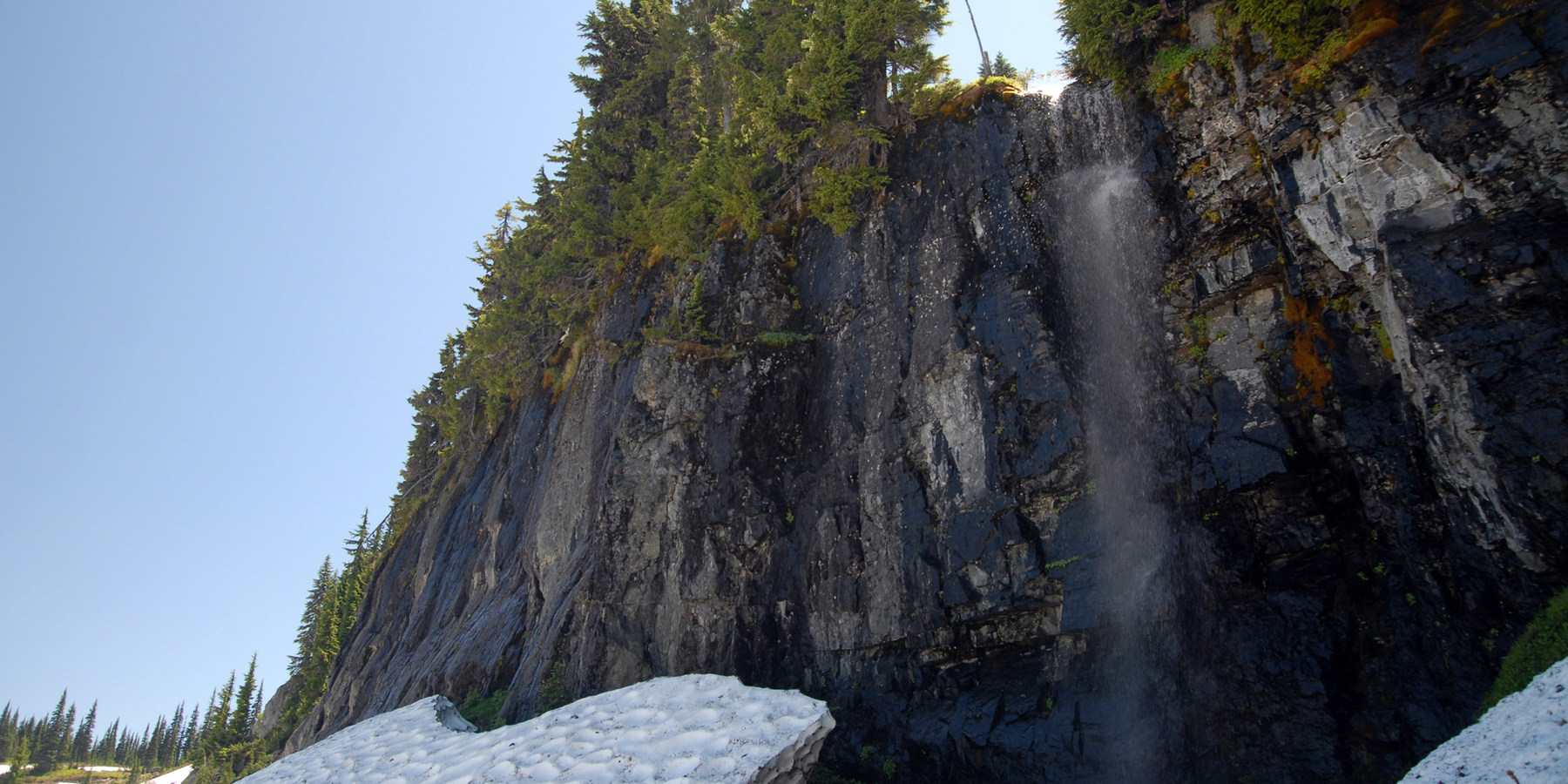 Tipsoo Lake Naches Peak Loop Trail Hiking In Washington