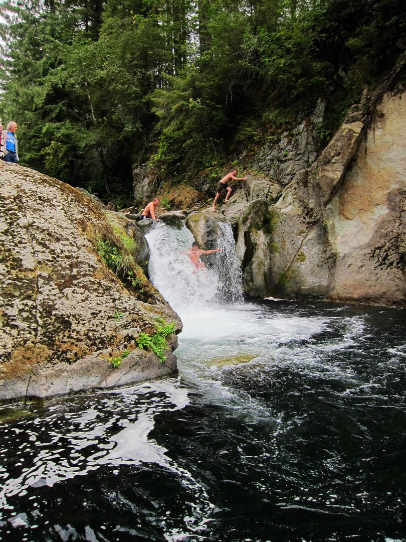 Naked Falls, Washougal River - - 306.3KB
