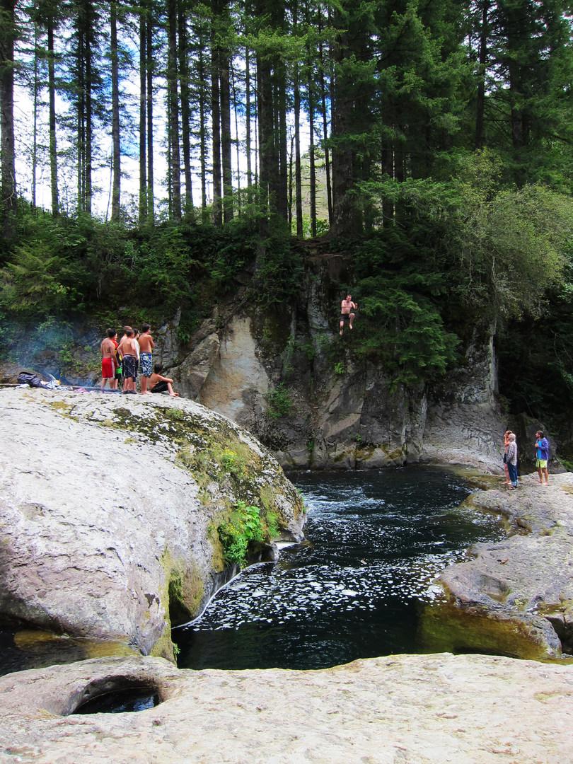 Naked Falls, Washougal River - - 301.6KB