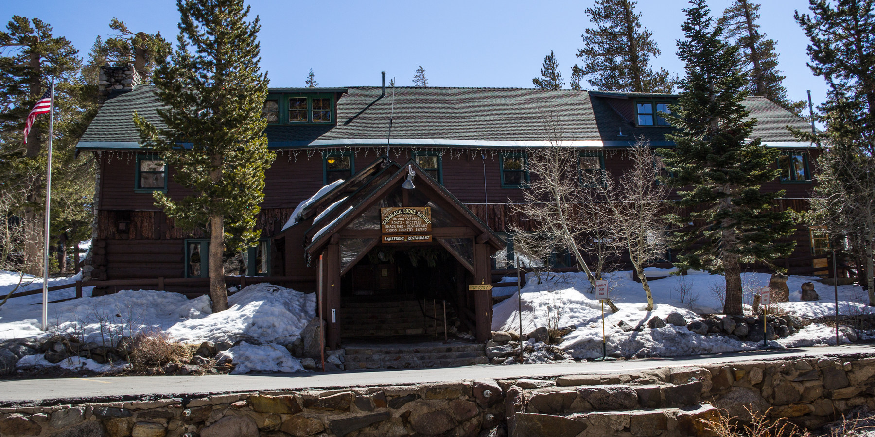 supplied sorensensresort cabins california stay mammoth lake feature sierra winter cozy s at resorts in cozywintercottages vc lodges this dsc high