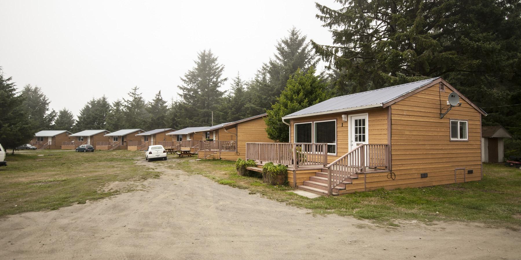 Hobuck Beach Resort Cabins At Campground