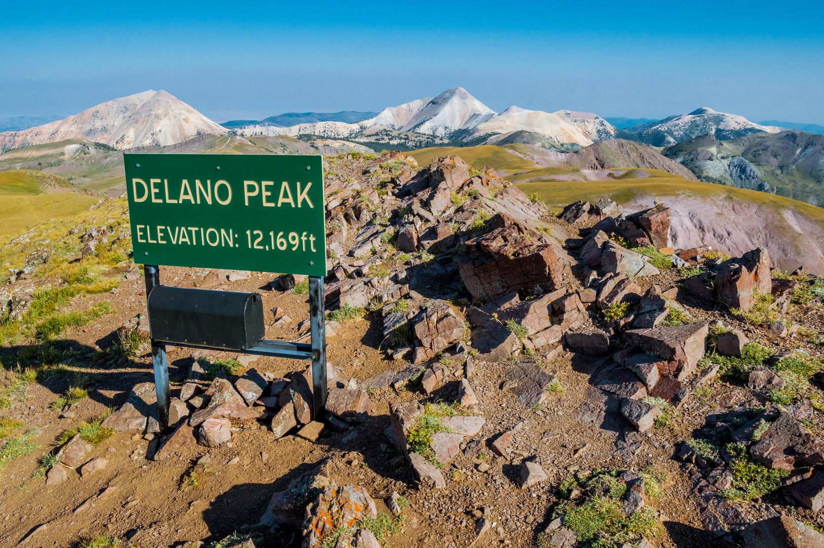 delano peak hike outdoor project