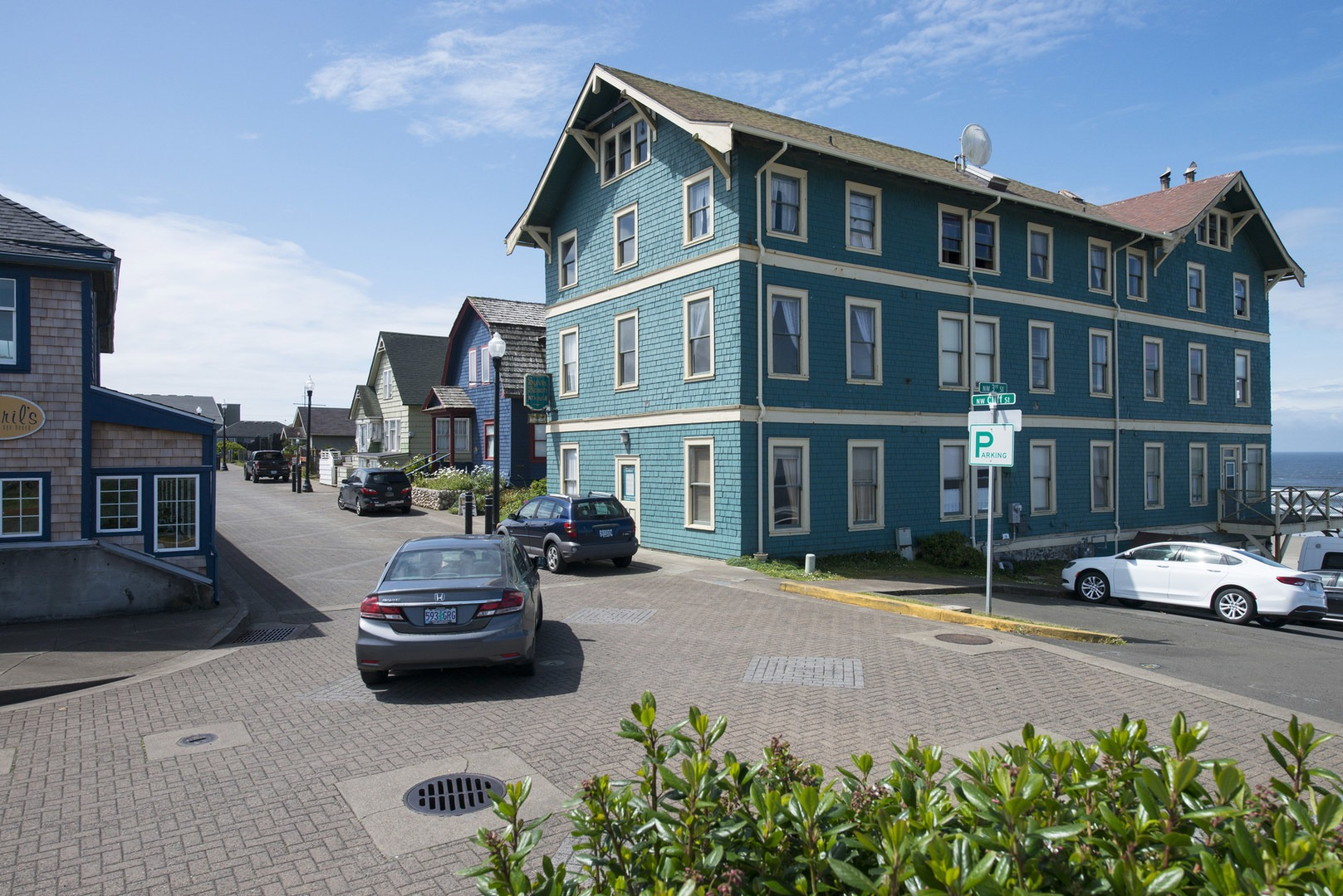 Beach House Newport Oregon Part - 49: Nye Beach; Sylvia Beach Hotel (New Cliff House) And NW Cliff Street In Nye  Beach, ...