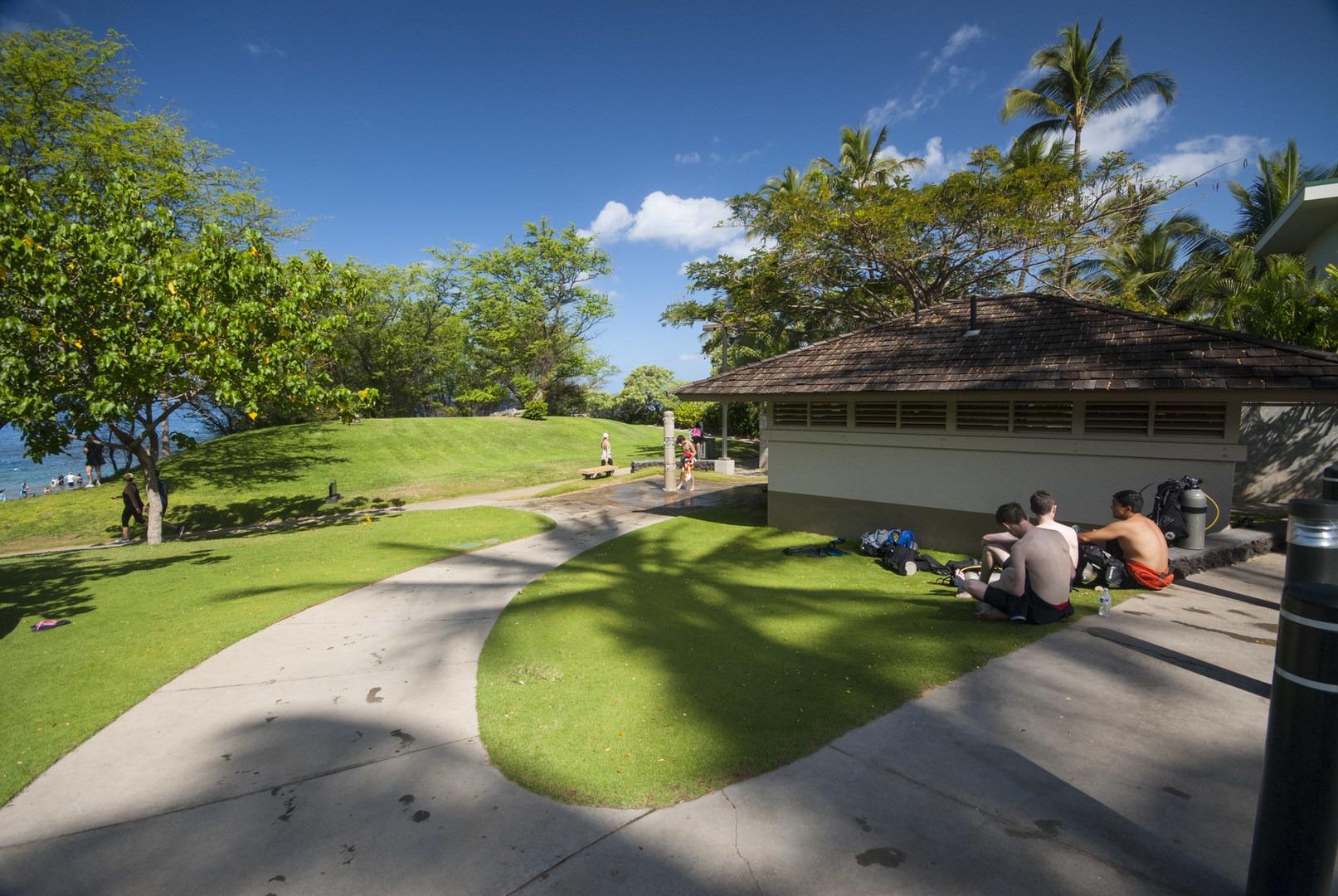 Public Restrooms And Showers At Ulua Beach Mokapu Park