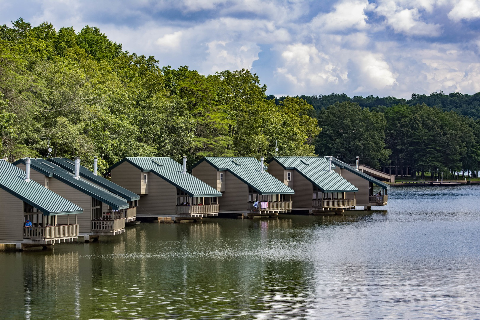 Charmant ... The Park Also Has Lakeside Cabins Available For Guests.  Fall Creek  Falls State Park ...