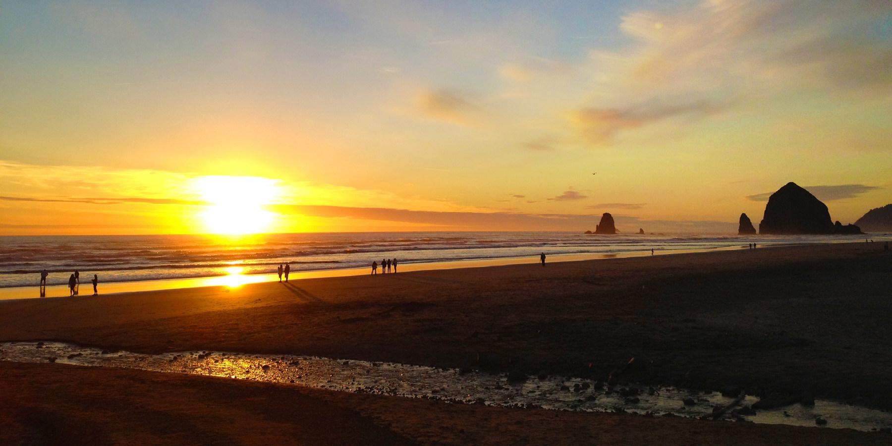 25 Best Surf Spots in the USA - Gear Patrol