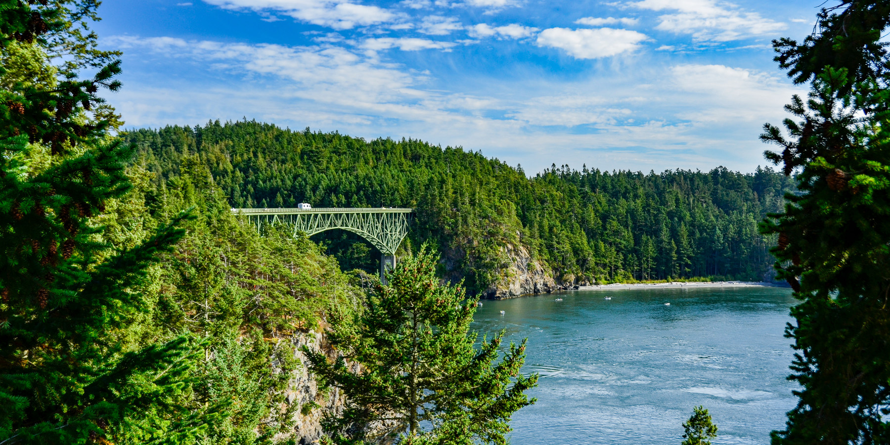 25 photos that will make you want to hike the pacific for Pacific northwest homes