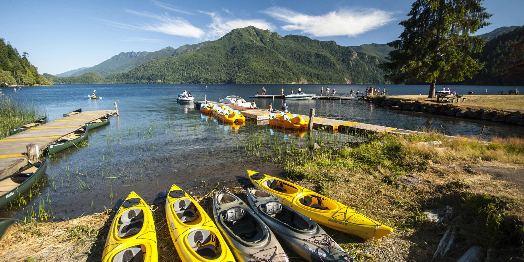 ... Dock and boat rentals at Log Cabin Resort.- 5 Reasons to make the trip  · Lake Crescent ...