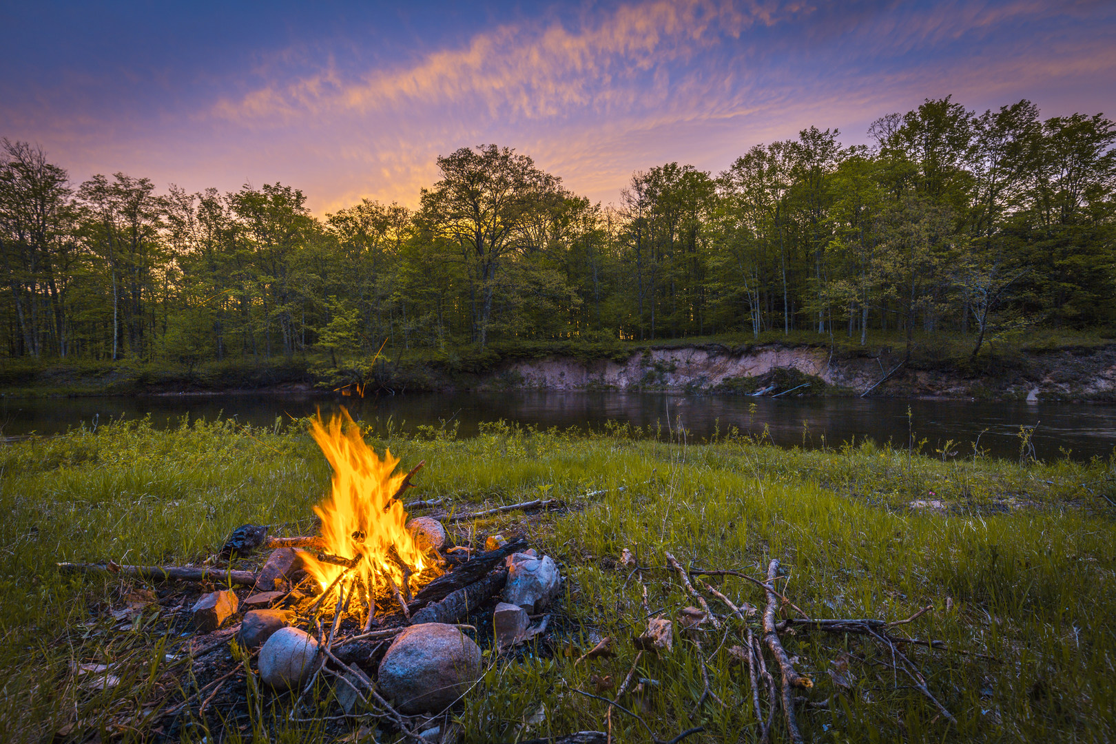 How To Be Campfire Conscious This Season