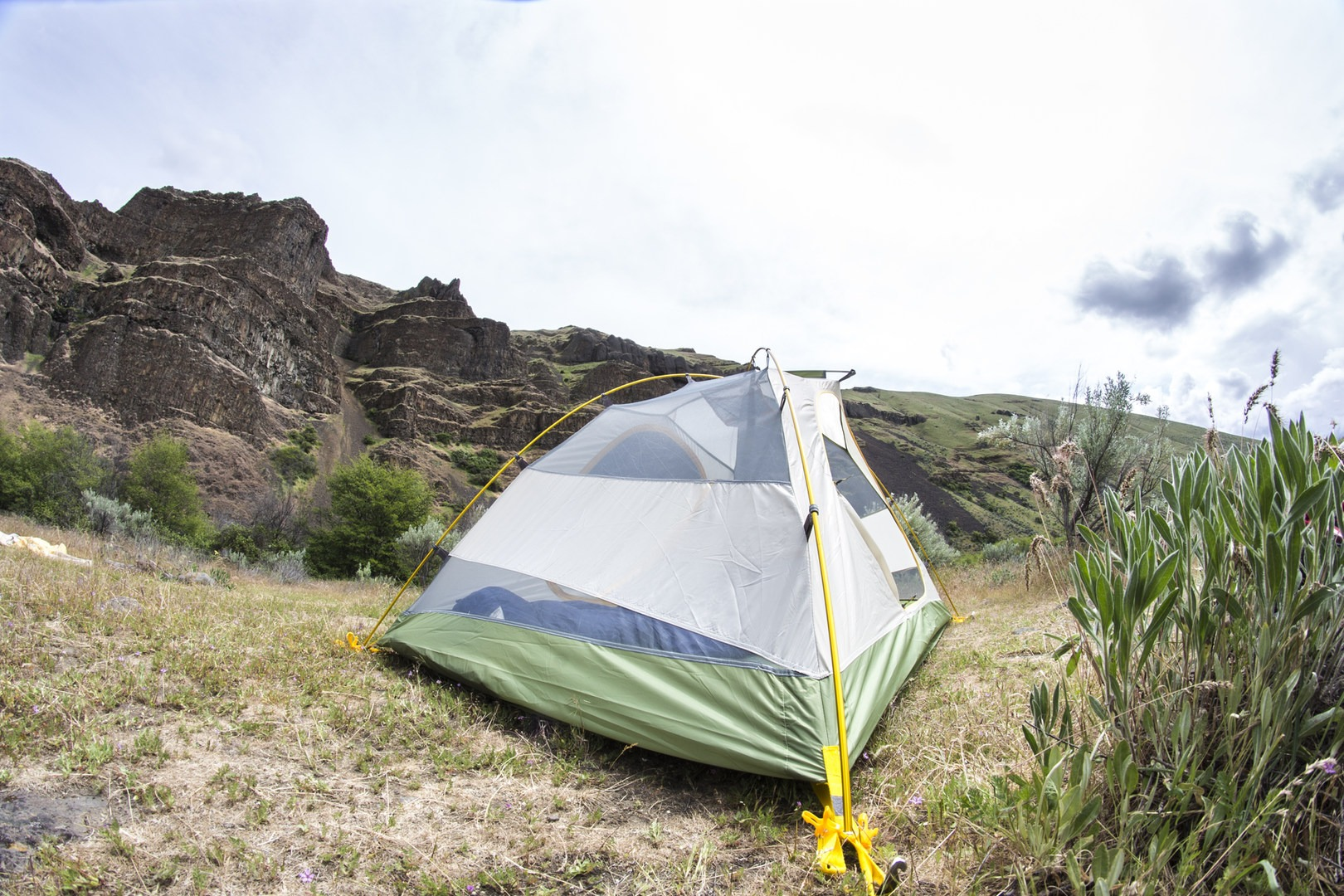 Mountainsmith Morrison Evo 2 · 3-aluminum alloy poles stakes and a durable poly tent.- Mountainsmith & Mountainsmith Morrison Evo 2 - Outdoor Project
