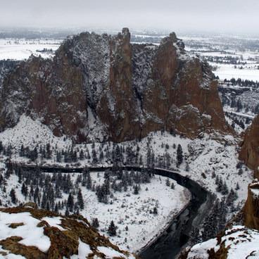 Snowy Smith Rock State Park.- Smith Rock, Misery Ridge Hiking Trail