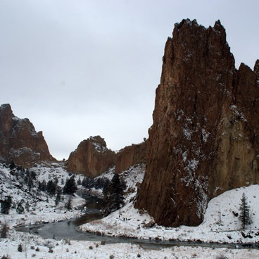 Smith Rock State Park.- Smith Rock, River Trail Hike