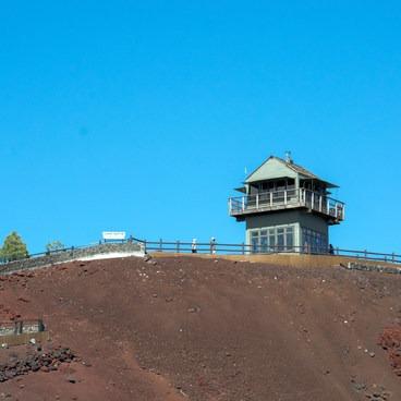 Lava Butte Fire Lookout in Central Oregon.- Lava Butte + Lookout Tower