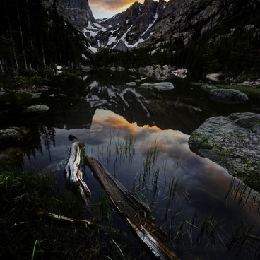 Sunset at Dream Lake- Nymph, Dream + Emerald Lakes Hike