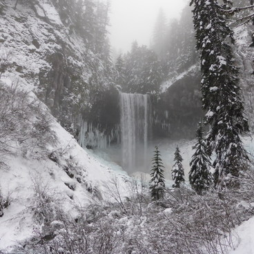 Tamanawas Falls Hike