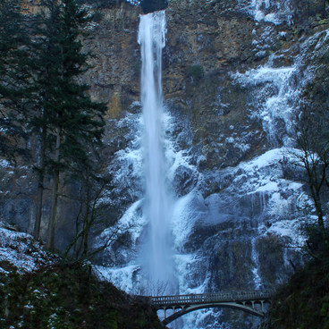 Multnomah Falls during a gorge freeze- Multnomah Falls Hike to Multnomah Creek
