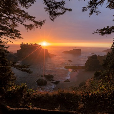Sunset view from the Thunder Rock Cove viewpoint- Samuel H. Boardman State Scenic Corridor