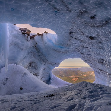 Mount Hood: Sandy Glacier Ice Caves