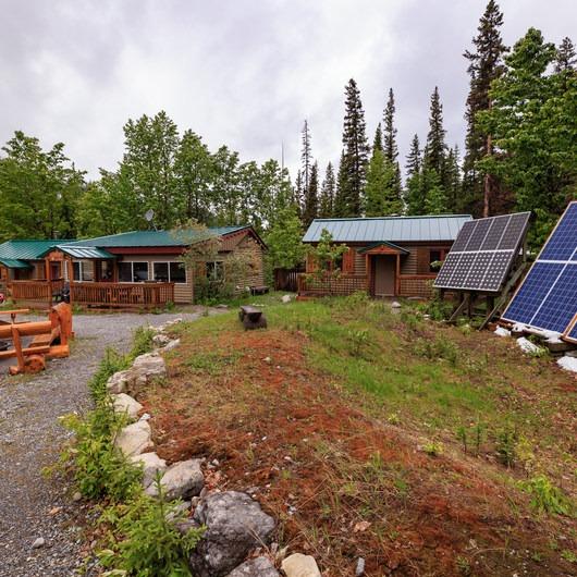 Rampart Creek Hostel