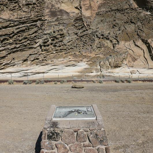 Petroglyph Point and Petroglyph Bluff Hike