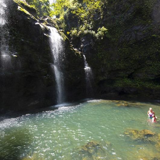 Upper Waikani Falls / Three Bears Falls
