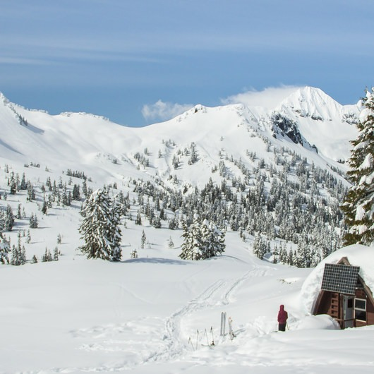 Elfin Lakes Hut