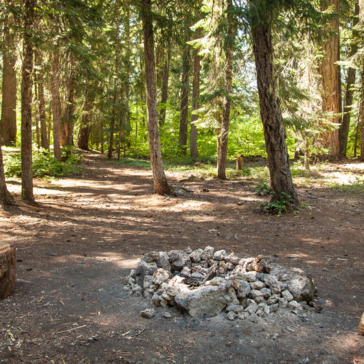 Fish Lake Campsites