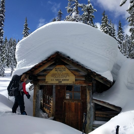 Maiden Peak Cabin Snowshoe via Gold Lake Sno-Park