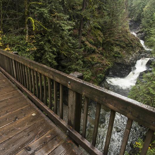 Twin Falls Hike via Homestead Valley Trailhead