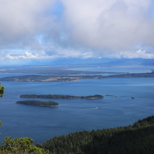 Orcas Island: Cold Springs Trail to Mount Constitution Summit