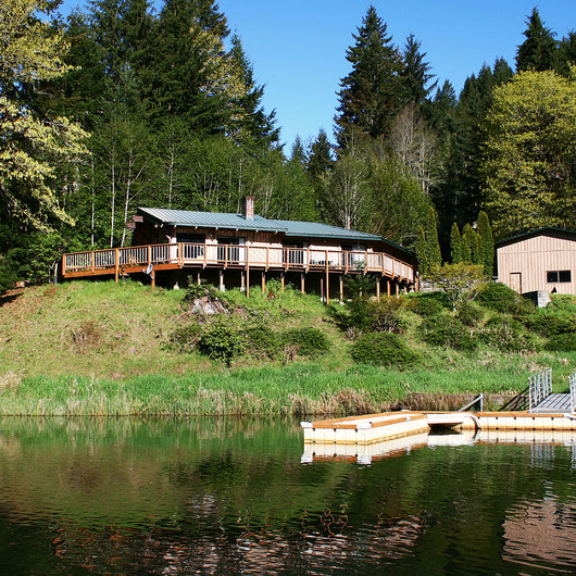Loon Lake Lodge Waterfront House