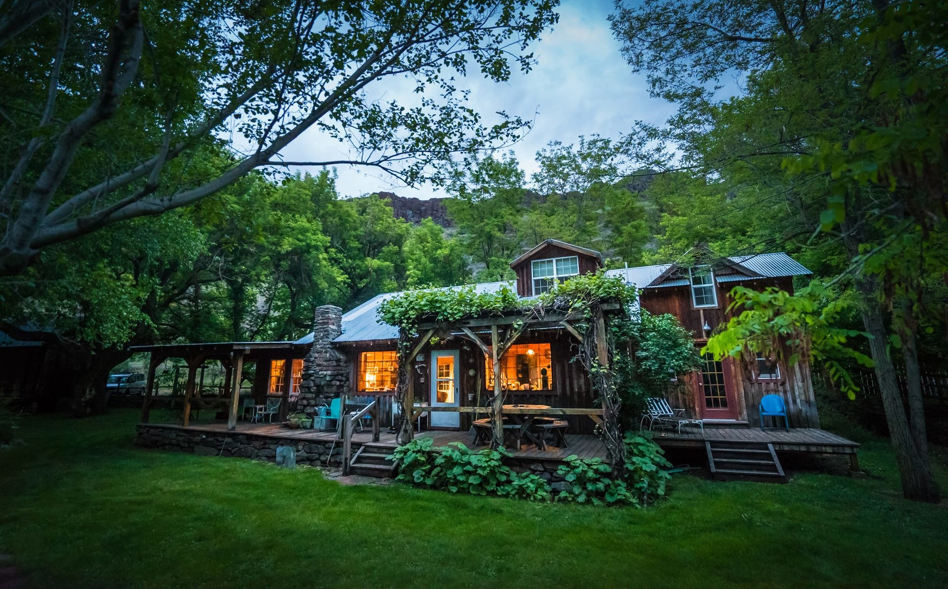 Rustic cabins in oregon via airbnb outdoor project for Rustic hotels near me