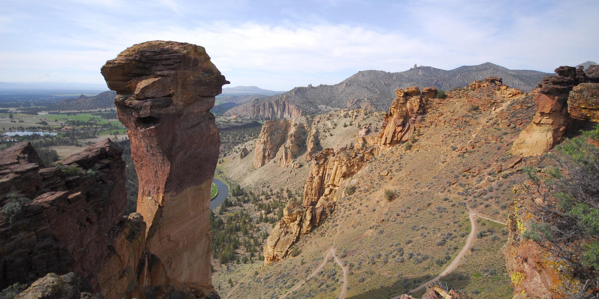 smith rock misery ridge hiking trail  outdoor project - smith rock misery ridge hiking trail