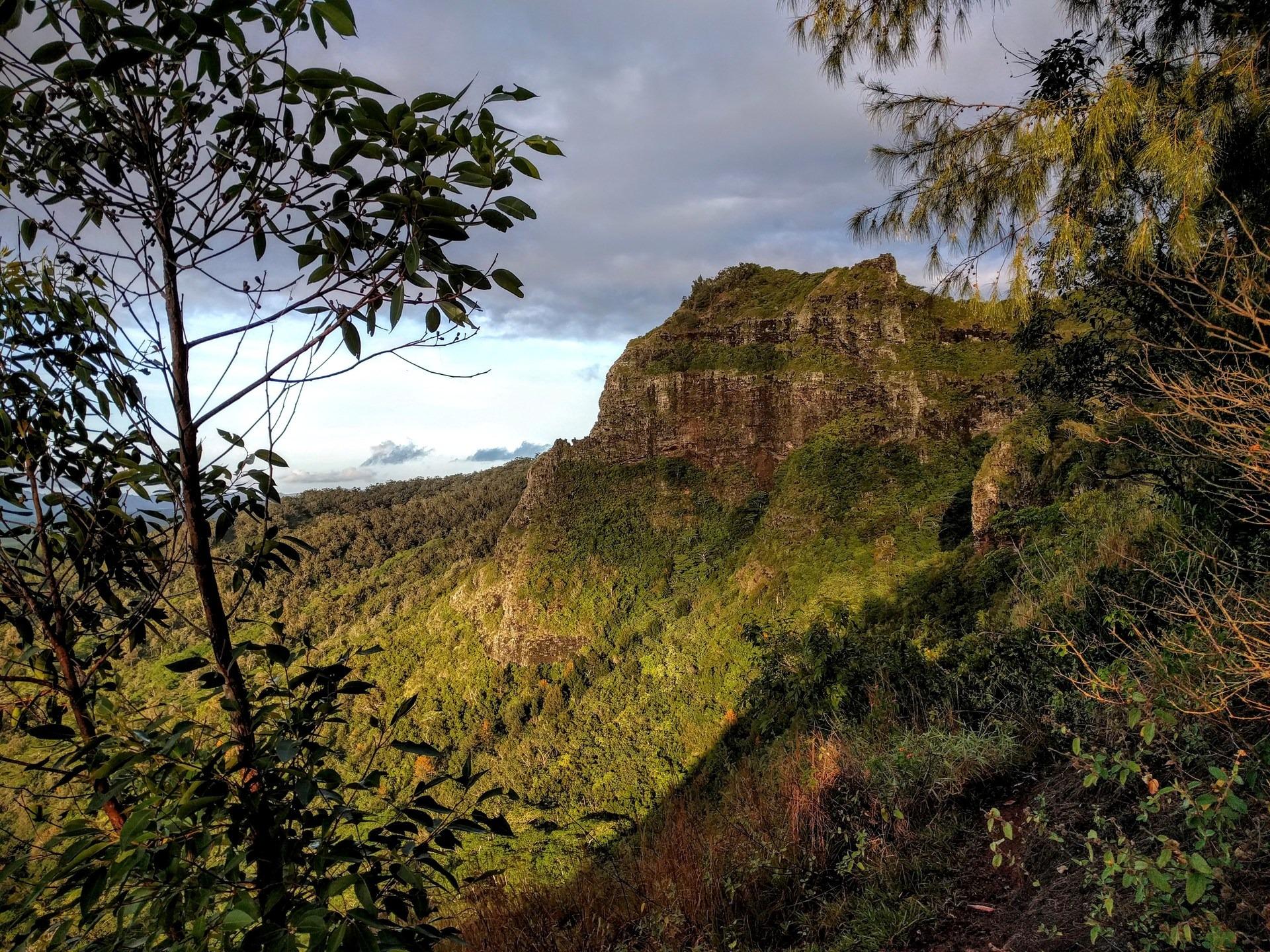 Nounou Mountain via the East Ridge | Outdoor Project