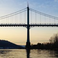 Approaching the St. Johns Bridge.- Willamette River: George Rogers Park to Cathedral Park