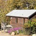 Cedar cabin.- El Capitan Canyon Nature Resort