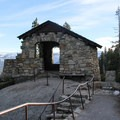 Geology Hut at Glacier Point.- Four Mile Trail to Glacier Point