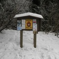 Initial information kiosk.- Gold Creek Pond Loop
