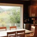 Kitchen area.- Point Montara Lighthouse Hostel