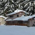 Stevens Pass Nordic Center lodge.- Lanham Lake