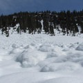Crossing under avalanche debris. - Source Lake