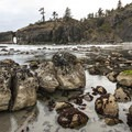 La Push, Second Beach tide pools and Natural Arch.- La Push, Second Beach