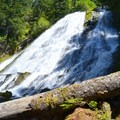 Diamond Creek Falls.- Diamond Creek Falls