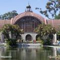 Botanical Building and Lily Pond.- El Prado