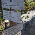 More helpful signage.- Bear Lakes Loop via Round Lake