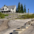 Heather Meadows Visitor Center.- Chain Lakes Loop Trail