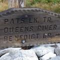 Trailsign at the split to either Queens River or Everly Divide.- Queens River, Lake 8,696 + Queens River Divide